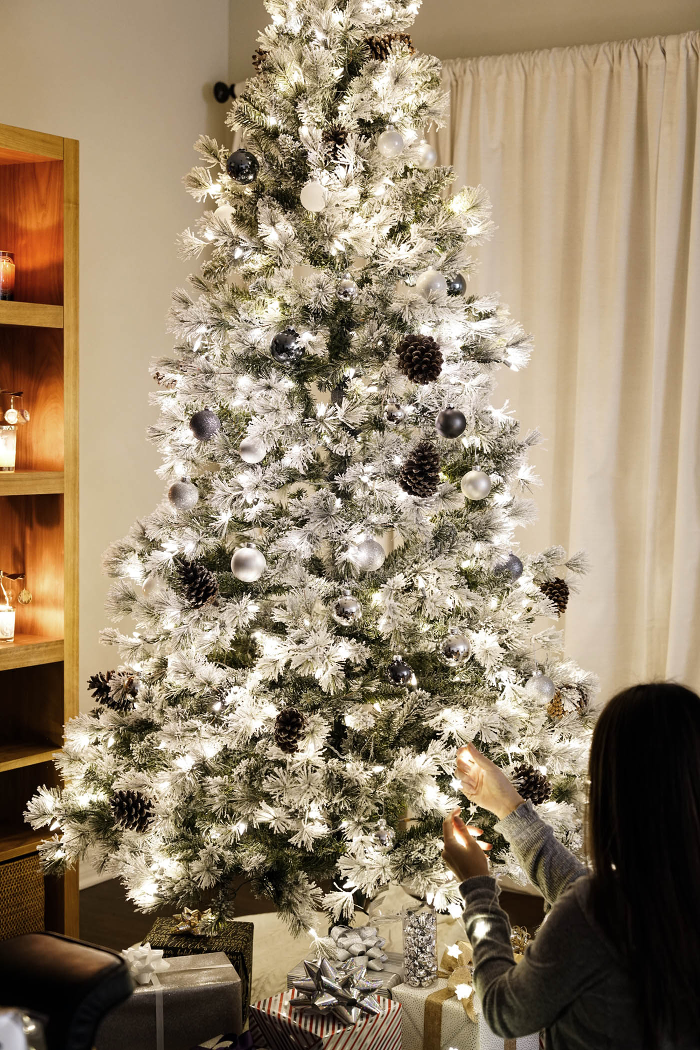 7.5 Foot Flocked Christmas Tree