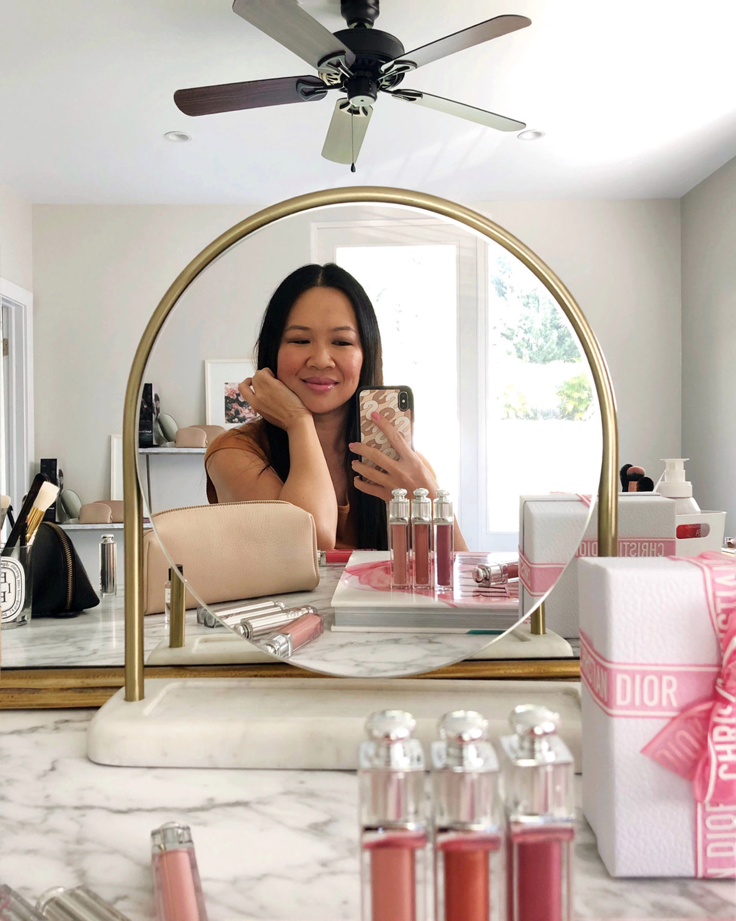 Beauty LookBook Vanity Desk